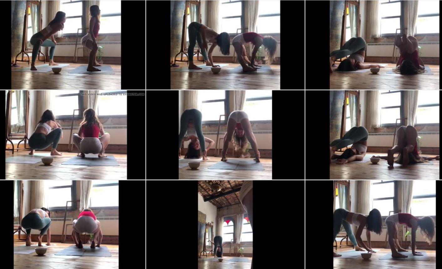 Türk Kızları Yoga Yapıyor - (Non-Nude)