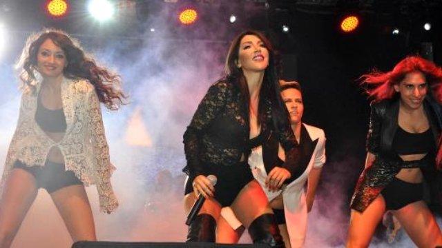 Hande Yener Konserinde Şok Görüntüler!